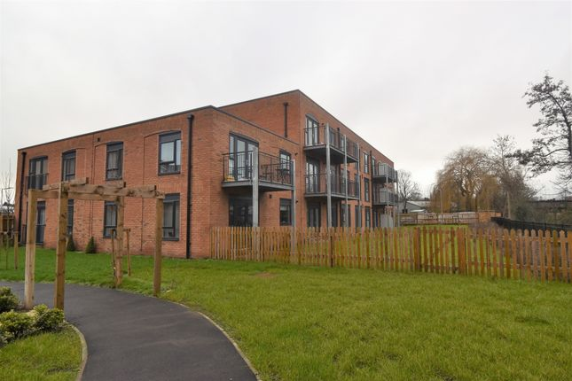 2 bed flat to rent in Victoria House, St. Marys Road, Leamington Spa, Warwickshire CV31