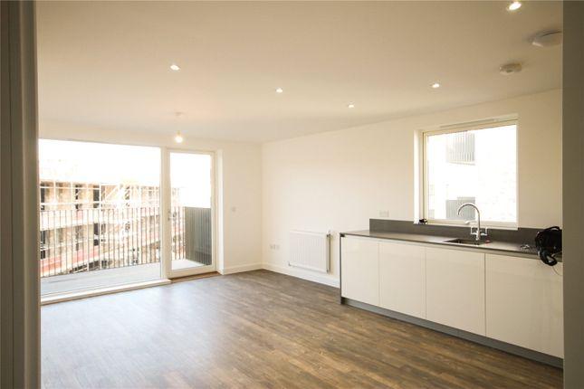 Thumbnail Flat to rent in Fowler Avenue, Trumpington, Cambridge