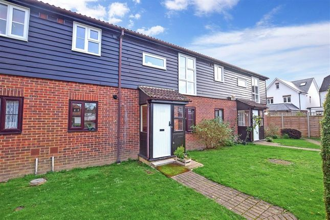 2 bed flat for sale in Oak Tree Close, Marden, Tonbridge, Kent TN12
