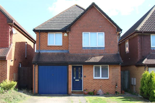 Thumbnail Detached house for sale in Hubbard Close, Twyford, Berkshire