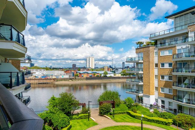 Thumbnail Flat to rent in Anchor House, Wandsworth, London