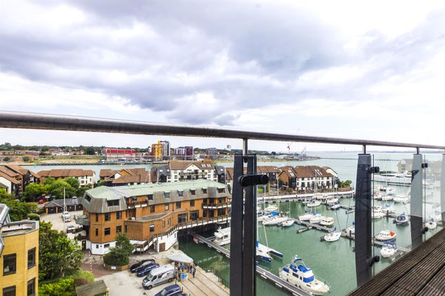 Thumbnail Flat for sale in Channel Way, Southampton