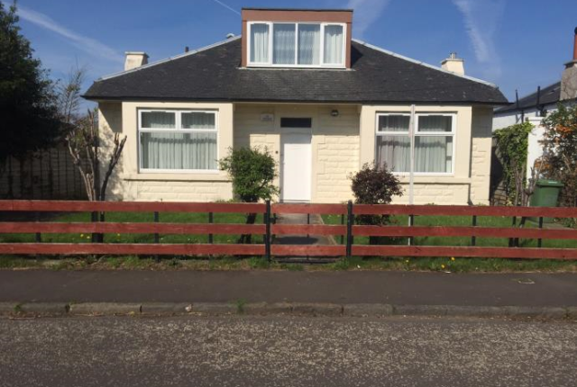 Thumbnail Bungalow to rent in Craiglockhart Quadrant, Edinburgh