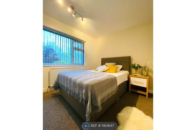 Room to rent in Sandall Park Drive, Doncaster DN2