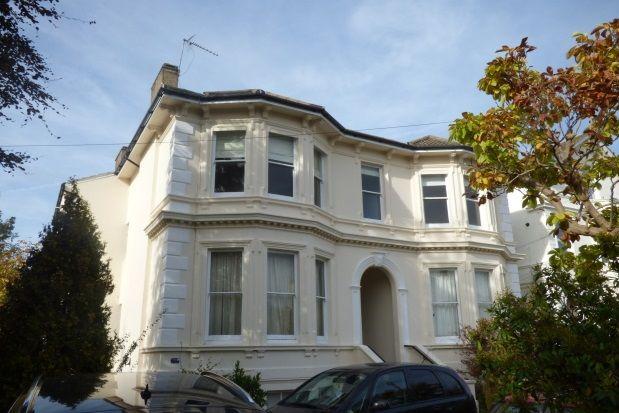 Thumbnail Flat to rent in Queens Road, Tunbridge Wells