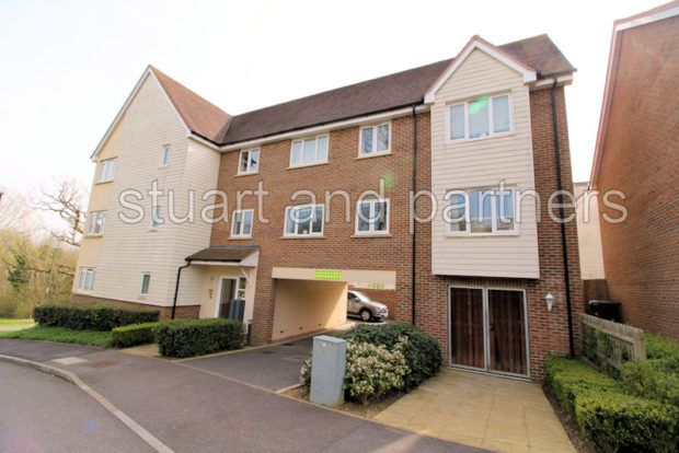 Thumbnail Flat to rent in Bowden Way, Haywards Heath
