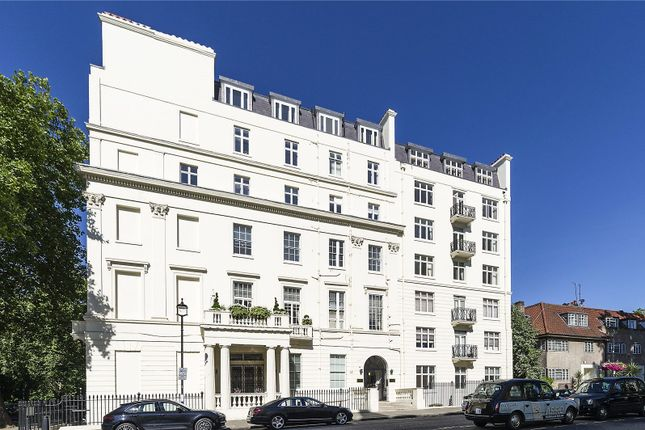 Thumbnail Flat for sale in Hyde Park Street, London