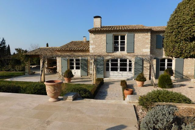 Thumbnail Property for sale in Eygalieres, Bouches Du Rhone, France