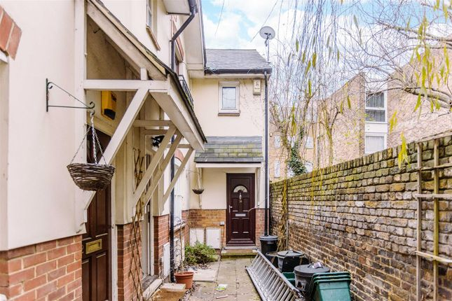 Thumbnail Terraced house for sale in Roads Place, London