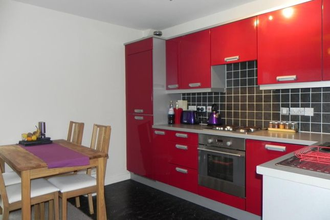 2 bed flat to rent in Binding House, Binding Close, Carrington Point, Nottingham