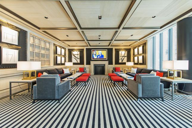 Eg- Lobby of Capital Building, Embassy Gardens, 5 New Union Square, Nine Elms, London SW11