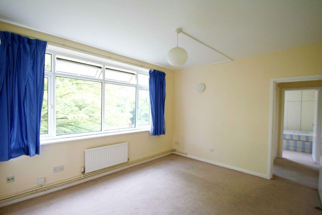 Thumbnail Property for sale in The Avenue, London