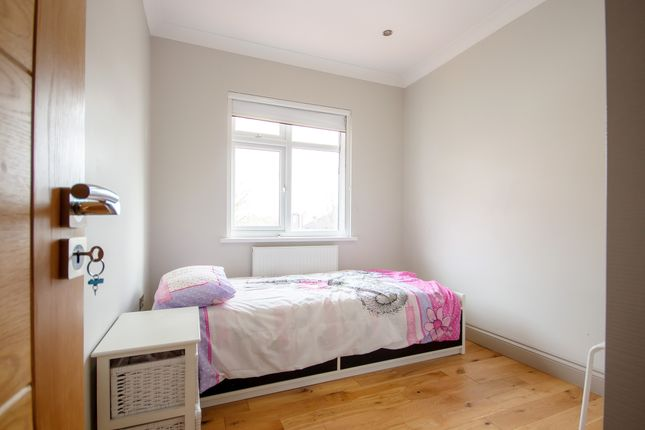 Thumbnail Room to rent in Room 3, Foster Road