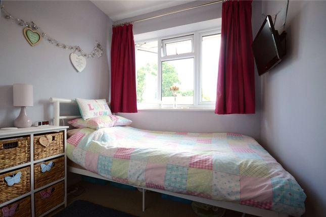 Picture No. 21 of Oak Avenue, Sandhurst, Berkshire GU47
