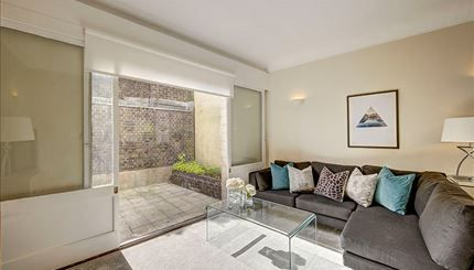 1 bed flat to rent in Park Road, St. John's Wood