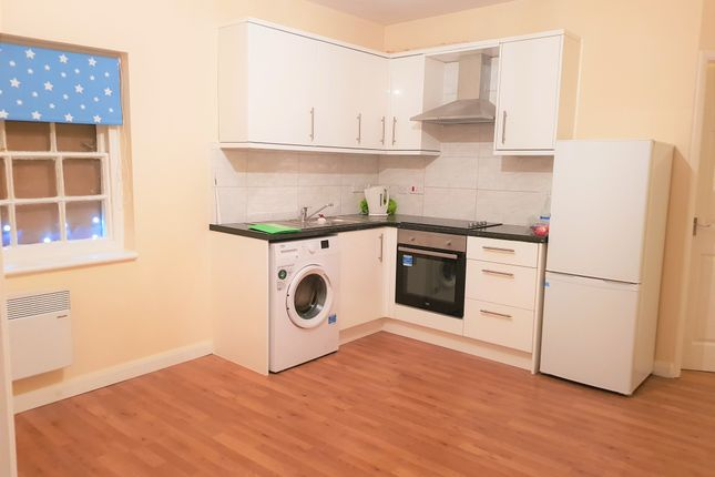Thumbnail Property to rent in High Street, Colnbrook, Slough