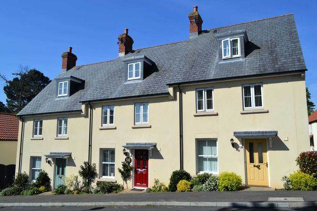 Homes for Sale in Hillcrest Gardens, Exmouth EX8 - Buy