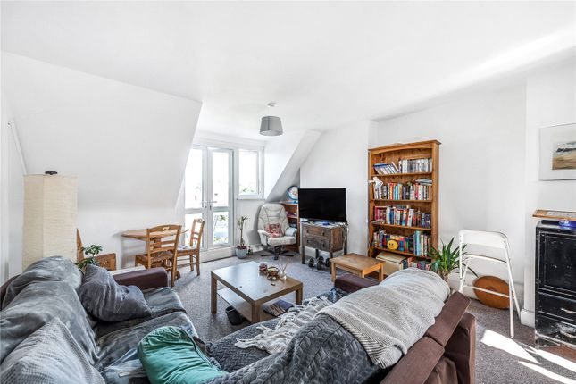Thumbnail Flat to rent in West Heath Drive, Golders Green, London