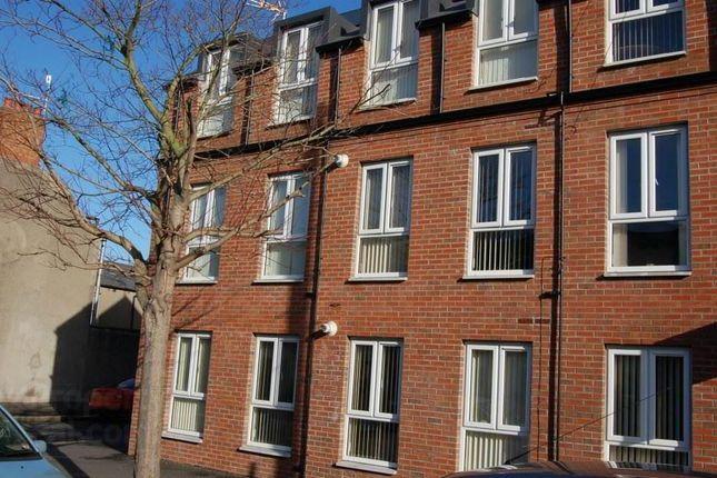 Thumbnail Flat to rent in 1A Ravenscroft Street, Belfast