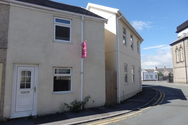 Terraced house to rent in Wern Road, Llanelli