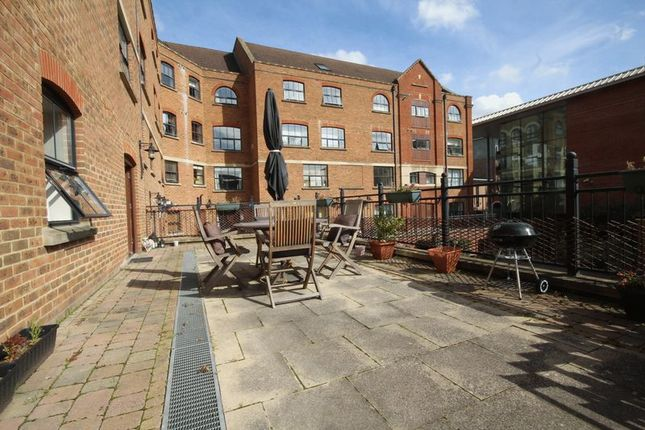Thumbnail Flat for sale in Whitefriars Wharf, Tonbridge