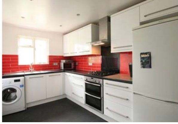 Thumbnail Flat to rent in Ellison Road, Streatham Common
