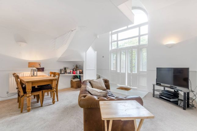 Thumbnail Property for sale in Chesterton Close, Wandsworth
