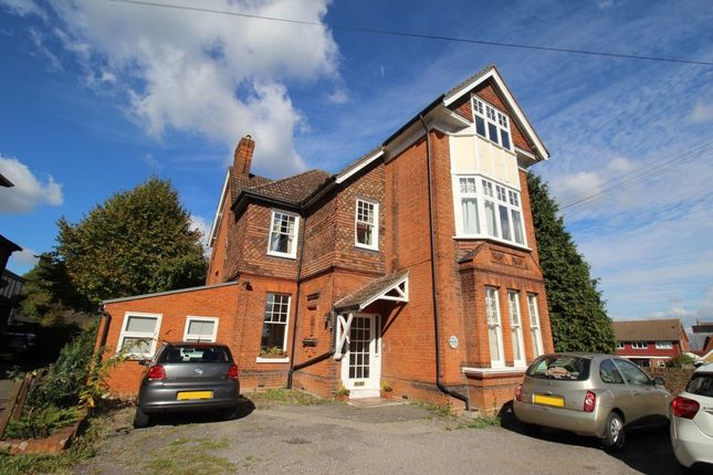 Thumbnail Flat to rent in Egham Hill, Egham