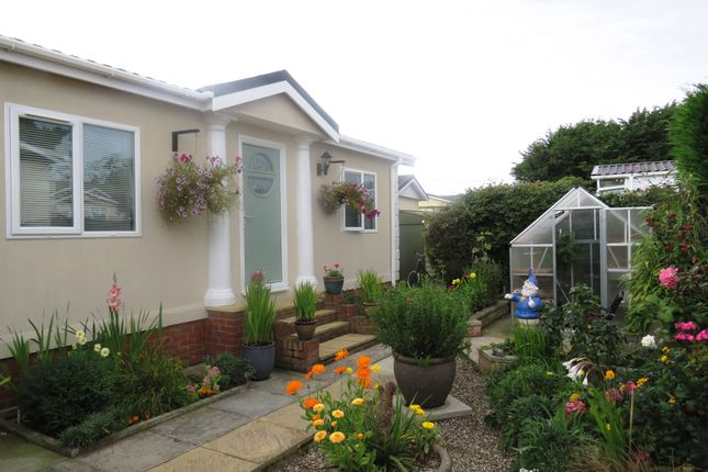 Thumbnail Mobile/park home for sale in Bridge Road, Potter Heigham, Great Yarmouth