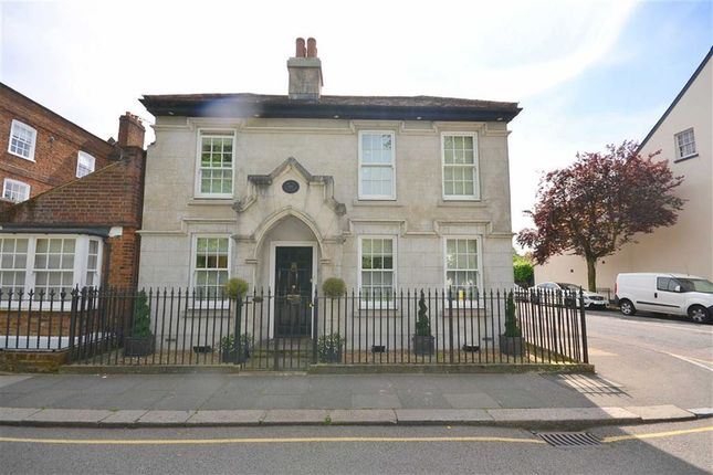 Thumbnail Detached house to rent in Hadley Green Road, Barnet, Hertfordshire