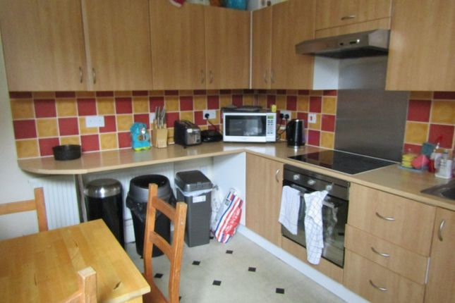 Room to rent in Dogsthorpe Road, Peterborough PE1
