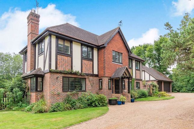 Thumbnail Detached house for sale in Mill Hill, Edenbridge