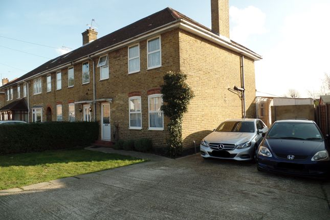 Thumbnail Semi-detached house to rent in North Avenue, Hayes