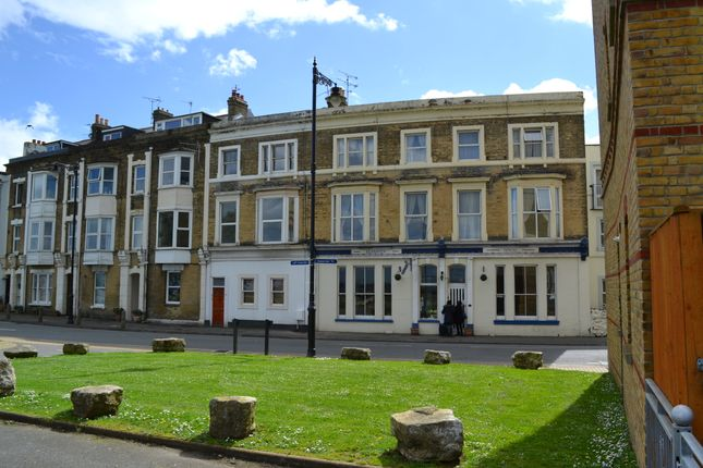 Thumbnail Hotel/guest house for sale in 35 St Thomas Street, Ryde