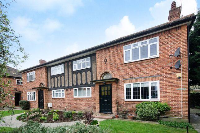 Thumbnail Flat to rent in Baronsmede, Gunnersbury