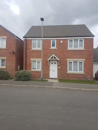 4 bed detached house to rent in Elmore Street, Thurcroft, Rotherham S66