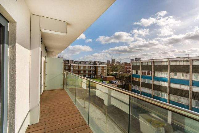 Thumbnail Flat to rent in Newgate, Croydon, London