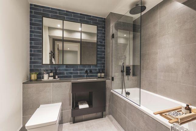 Bathroom of 58 Grange Road, Bermondsey SE1