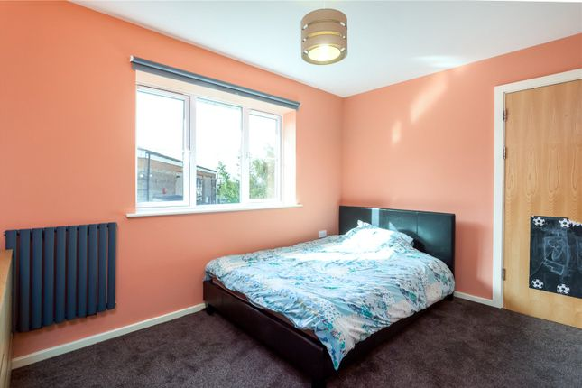 Picture No. 06 of Hilldale View, Brighton Street, Heckmondwike, West Yorkshire WF16