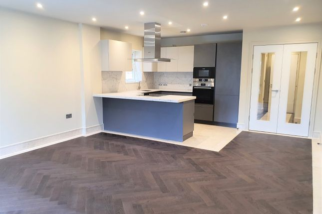 Thumbnail Flat for sale in Manor Road, Chigwell, Essex