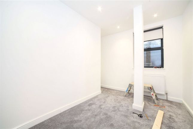 Bedroom of Crossford Street, London SW9