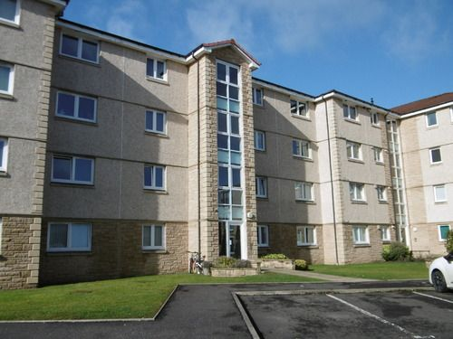 Thumbnail Flat to rent in Newlands Court, Bathgate
