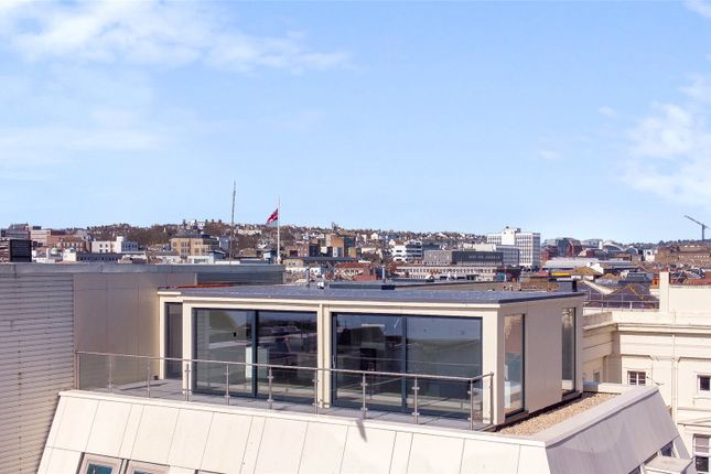 Thumbnail Flat for sale in Green Diamond, Brighton, East Sussex