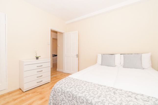 Room to rent in Edgware Road, Marylebone, Central London