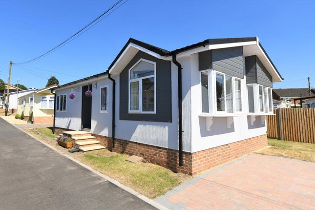 Thumbnail Mobile/park home for sale in Sandy Lane, Farnborough