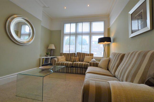 Thumbnail Flat to rent in Roundhay Road, Roundhay, Leeds
