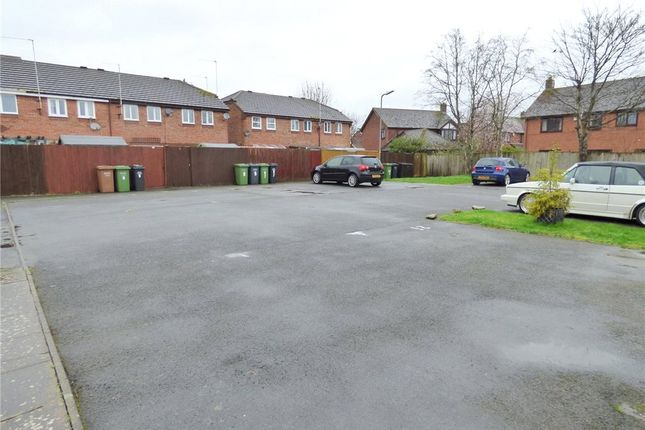 Picture No. 30 of Perscoran Way, Pershore, Worcestershire WR10