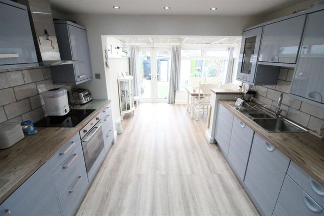 Kitchen of Hotham Road North, Hull HU5