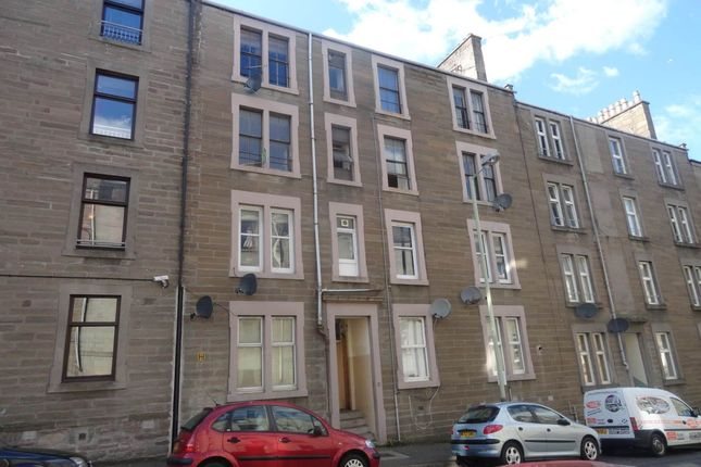 2 bed flat to rent in Rosefield Street, Dundee DD1