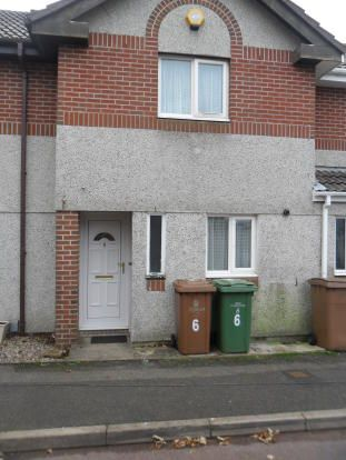 2 bed terraced house to rent in Smeaton Square, Manorfields, Efford